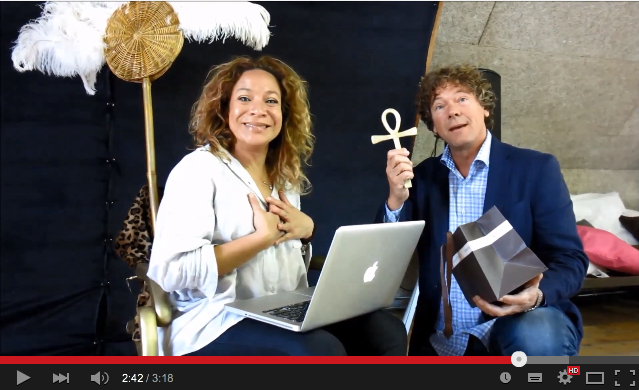 Musicalster Nurlaila Karim en Roel Pieters (initiatiefnemer en schrijver van ONE de Musical)